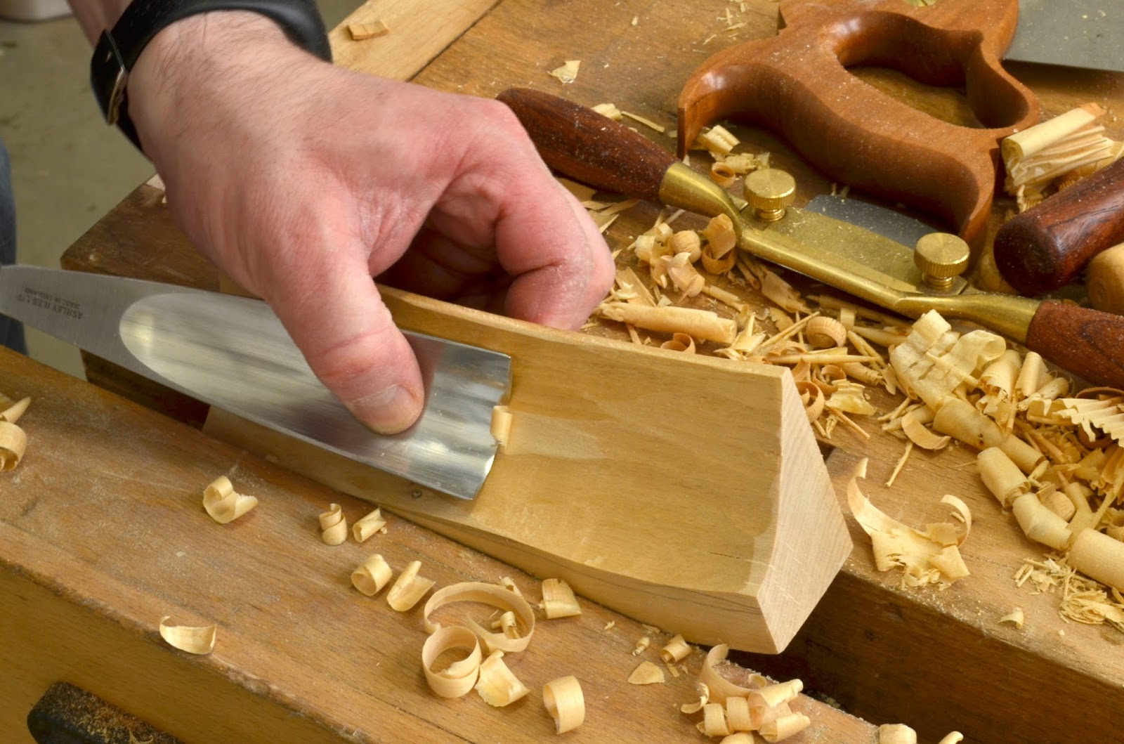Carving curved edge